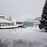 View outside Pizzeria to tennis court