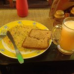 Omelette with toasted bread and orange juice