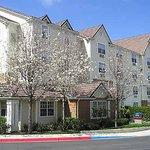 米尔皮塔斯硅谷皇冠广场套房酒店