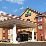 Photo of Holiday Inn Express & Suites Knoxville-North-I-75 Exit 112
