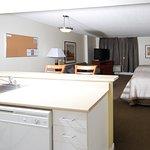 Photo de Candlewood Suites Montreal Centre-Ville