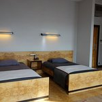 DELUXE ROOM WITH 2 TWIN BEDS