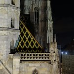 Stephansdom at night