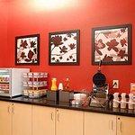 Photo de TownePlace Suites Dayton North