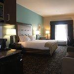Photo de Holiday Inn Express Cleveland Northwest