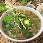 (3D) Pho Tai Sach: Pho with sliced beef and tripe (dressed)