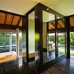 Photo de The Legian Bali