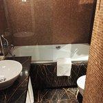 Photo de Eurostars Thalia Hotel