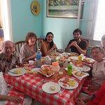 Una maravillosa familia, que desayuno!!! Gracias por elegirnos.