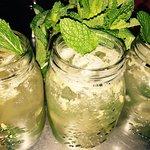 Limonada de Hierbabuena y Ahumadito Roll👌.