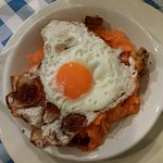 Patatas revolconas