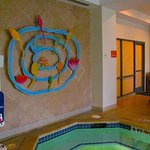 Embassy Suites - Hot tub