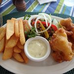 Fish & chips, salad
