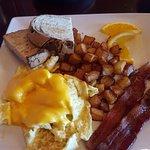 Breakfast Curve Tavern