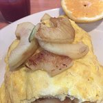 apple cheese omelet