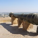 The old canon on the fort wall...