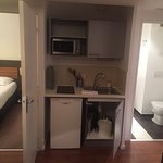 2 chambres Spacieuses, fonctionnelles, bien équipés, manque un peut d'entretien..