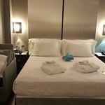 Habitación preparada para 4 personas. Amplia, luminosa, cómoda, limpia y muy silenciosa.