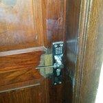 poignet cassé de ma porte de chambre