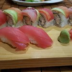 maguro sushi and rainbow roll