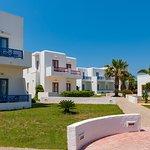 Photo de Maltezana Beach Hotel