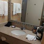 Sink & mirror