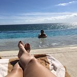 Poolside with service, watched whales and flying mantas