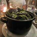 Mussels with cream and garlic