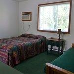 Foto de Blue Spruce & Lucky Horseshoe Motel & Cabins
