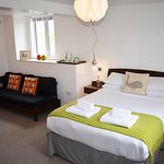 Room5 - Kingsize / Twin, En Suite, Side Sea Views