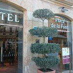 Photo of Hotel Placa de la Font