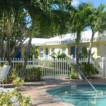Photo de Bahama Beach Club Apartments