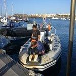 """Der Zodiac von """"LJ diving"""" im Hafen von Las Galletas"""