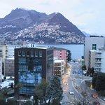 Blick vom Balkon des Hotel de la Paix mit Blick auf den See