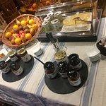 Petit déjeuner TOTALEMENT BIO !! A l'hôtel des FALAISES ETRETAT. DÉLICIEUX une super surprise. M