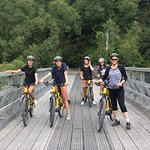 A photo stop on the picturesque old Shotover Bridge near Queenstown
