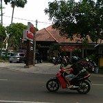 Niki Kopitiam Cafe and Resto