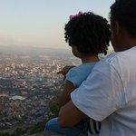 Uno de los miradores, donde podemos ver la ciudad de Tegucigalpa, como un nacimiento navideño.
