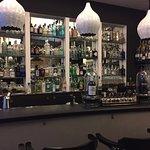 Simpatico e fornitissimo gin corner