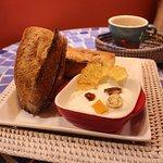 Morning baguette of Senegal 380yen with yogurt(Drink set 630yen Smoothie set 850yen)