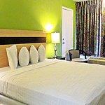 Roomba Inn & Suites Orlando Photo