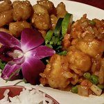 Chinese dish of chicken and shrimp