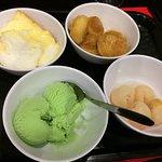 Îles flottantes, choux à la crèmes, ICe cream pistache, litchi j'adore ❤️