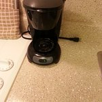 Coffee maker is old, no pot