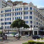 Hotel de esquina e frente pra praia do Gonzaga Atlântico Hotel,na Avenida Presidente Wilson X Av