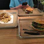 Foto de Hopdoddy Burger Bar