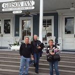 Front steps of the Gibson with the hotels black cat