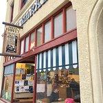 Arena Market & Cafe