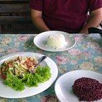 ภาพถ่ายของ ร้านอาหาร สันกำแพงโภชนา