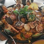 Large Seafood Paella for 4